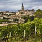 Saint-Emilion à 35 km à l'est de Bordeaux